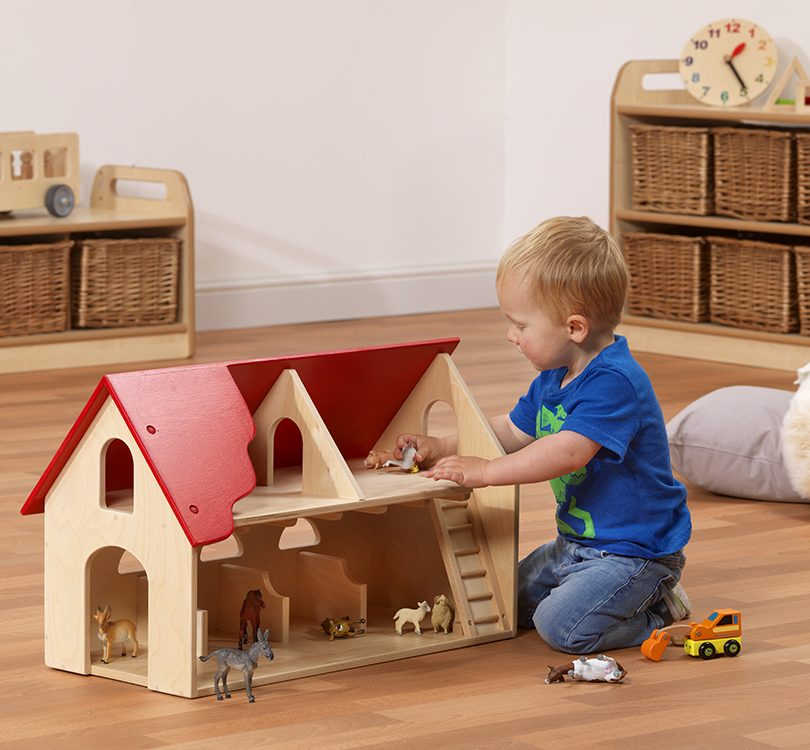 Farmhouse with props and model